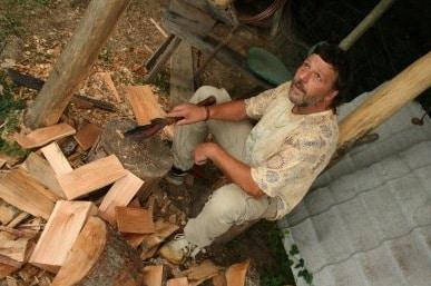 eco construction du bois dont on fait les tuiles blog de voyage eco volontaire cap sur la terre. Black Bedroom Furniture Sets. Home Design Ideas